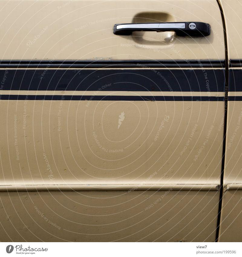 GT Fahrzeug PKW Metall Linie Streifen alt authentisch einfach braun Design elegant Wagen Griff Rennsport Gedeckte Farben Außenaufnahme Detailaufnahme
