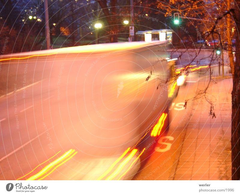 TruckSpeed Straße Verkehr Geschwindigkeit Lastwagen Nachtaufnahme Fototechnik