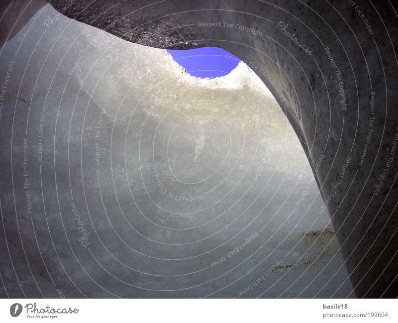 Ein Stückchen Himmel blau Winter kalt Schnee Berge u. Gebirge Eis glänzend Frost Alpen Loch Höhle Kristalle Gletscher Gletscherspalte himmelblau