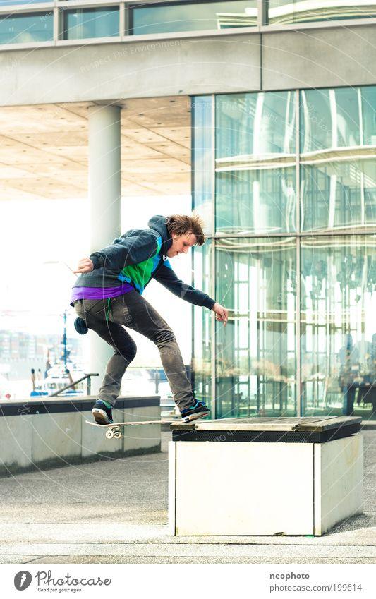FS Noseslide-o-rama #2 Farbfoto Außenaufnahme Geschwindigkeit Skateboard Jugendliche Junger Mann Skateboarding Tag Lifestyle Hafenstadt Bewegung ästhetisch