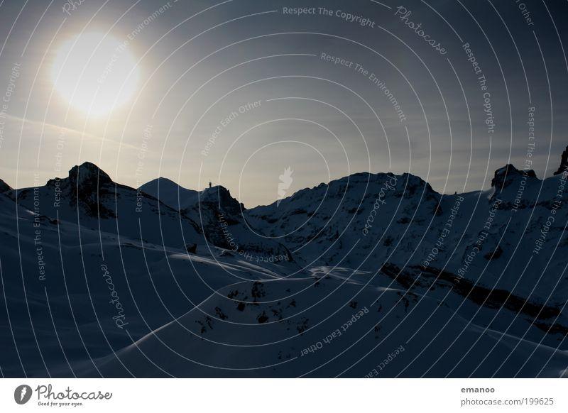 wintersun Himmel blau Ferien & Urlaub & Reisen Winter Umwelt kalt Schnee Berge u. Gebirge Freiheit Felsen Klima Ausflug Alpen Gipfel Schweiz stark