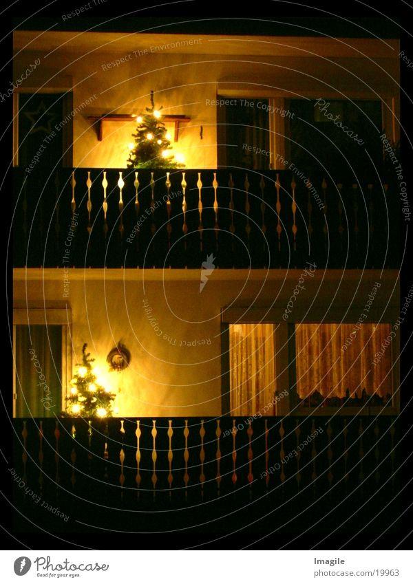 Lichthäufchen Weihnachtsbaum Baum Balkon Nacht Fenster Fototechnik Weihnachten & Advent ruhig