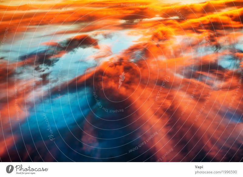 Luftaufnahme zum bunten orange und blauen drastischen Himmel Natur Himmel (Jenseits) Sommer Farbe schön Sonne Landschaft rot Wolken gelb Stimmung oben rosa