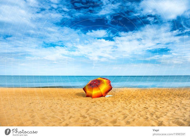 Orange Regenschirm am goldenen Sandstrand Himmel Natur Ferien & Urlaub & Reisen blau Sommer schön Wasser weiß Sonne Landschaft Meer rot Erholung Einsamkeit