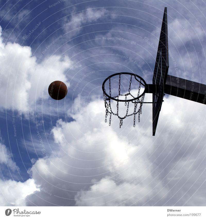 Korbball Freizeit & Hobby Spielen Sport Ballsport Sportstätten Umwelt Luft Himmel Klima Schönes Wetter Metall werfen blau Kontrolle Leichtigkeit Präzision