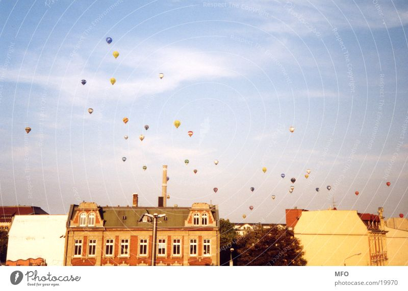 Ballon Fiesta Leipzig  /  99 (Heiß-)Luftballons Himmel Luftverkehr Ballone Leipzig Sachsen