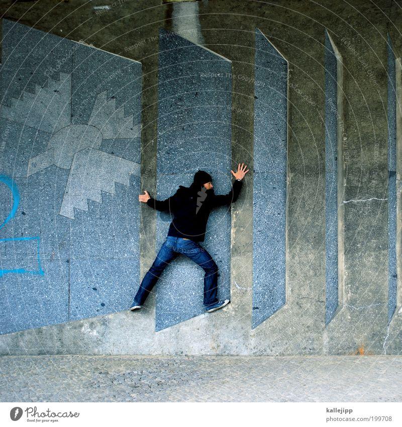 himmelfahrt Mensch maskulin Mann Erwachsene Leben 1 Jeanshose Jacke Turnschuh Mütze Vogel Taube Tier Jagd kämpfen krabbeln Frieden Zufriedenheit Krise Kultur