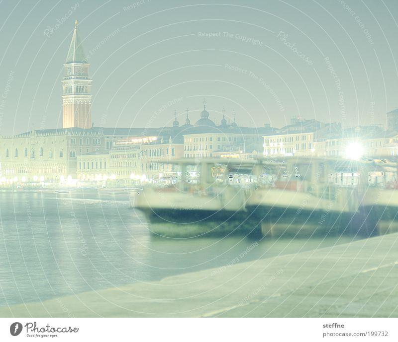 Immer in Bewegung Wasser schön Stadt Ferien & Urlaub & Reisen Wasserfahrzeug hell Nebel elegant Italien Skyline Stadtzentrum Venedig Fähre Altstadt