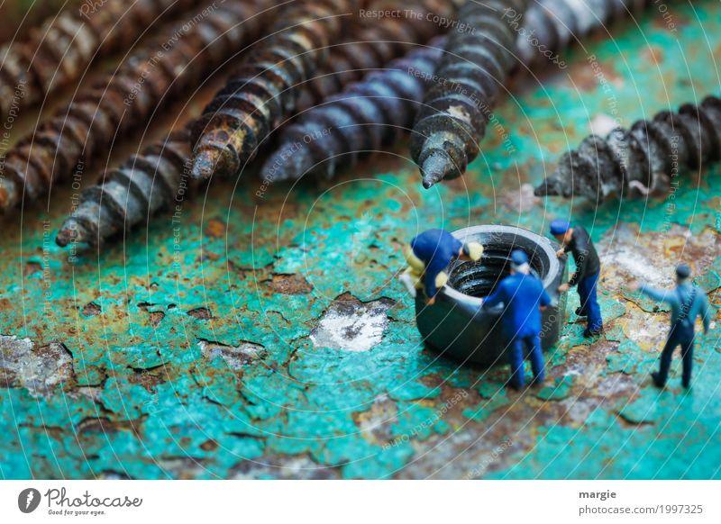 Miniwelten - Schrauben und Mutter / Tiefblick Arbeit & Erwerbstätigkeit Beruf Handwerker Arbeitsplatz Baustelle Industrie Dienstleistungsgewerbe sprechen Team