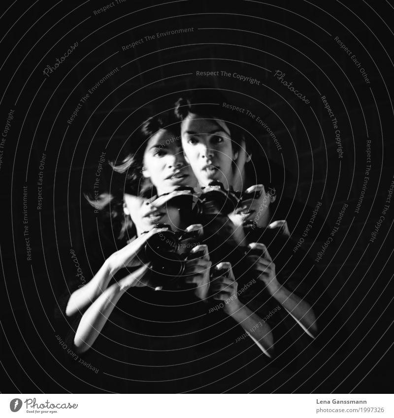 Vierarmiges Splitterportrait von einer Fotografin Fotokamera Mensch feminin Junge Frau Jugendliche Erwachsene 1 30-45 Jahre Künstler Theaterschauspiel Kultur