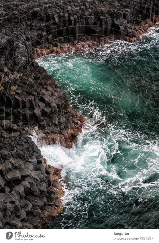 Lava Coasts Ferien & Urlaub & Reisen Wasser Meer Ferne schwarz Küste Stein Wellen Insel Abenteuer Kraft Urelemente Bucht türkis Säule Brandung