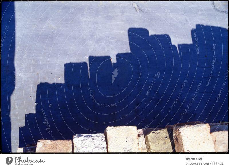 Potemkinsche Silhouette Kunst Umwelt ästhetisch Ecke stehen Baustelle liegen Klima rein Backstein Skyline Schönes Wetter Surrealismus Material New York City Stapel