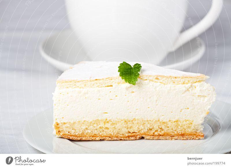 Zitronenmelisse Sahnetorte Blatt Torte Kuchen Tasse Untertasse Teller Backwaren süß Dessert lecker weiß Dekoration & Verzierung Ernährung frisch Teile u. Stücke