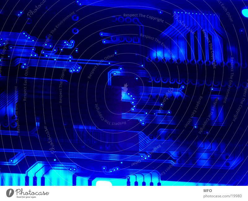 Finstere Technologie Platine Computer Halbleiter Platinenlayout Schaltplan Elektrisches Gerät Technik & Technologie Elektronik Mikrochip Entwurf