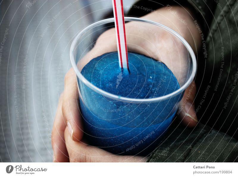 Liquid II blau Hand kalt Lebensmittel Freizeit & Hobby Getränk süß Coolness trinken Flüssigkeit lecker exotisch Durst Becher Trinkhalm Erfrischungsgetränk