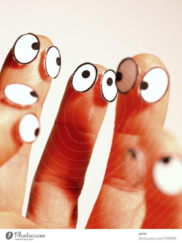 5 an einer Hand Hand Gesicht Auge Spielzeug Menschengruppe Denken lustig Zusammensein Finger Team beobachten Puppe skurril Zusammenhalt Teamwork Figur