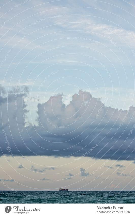 Die Wolken gehören zur Erde, nicht zum Himmel * Waldemar Bonsels blau Himmel (Jenseits) Meer Wolken Küste See Wasserfahrzeug ästhetisch Ostsee Nordsee himmlisch Schifffahrt Blauer Himmel Wolkenhimmel Frachter Wolkenband