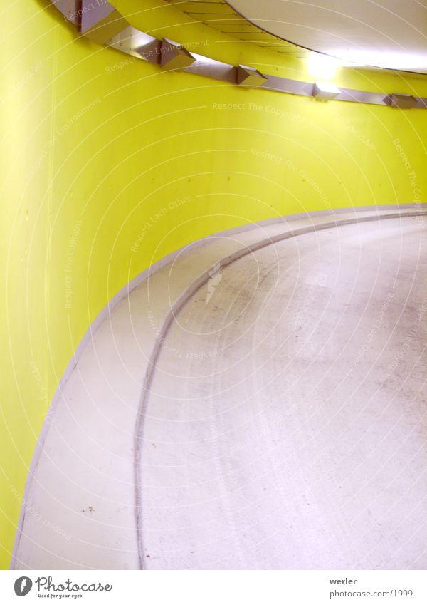 Rampe gelb Stil Architektur Hintergrundbild Flughafen diagonal Spirale Stuttgart Parkhaus
