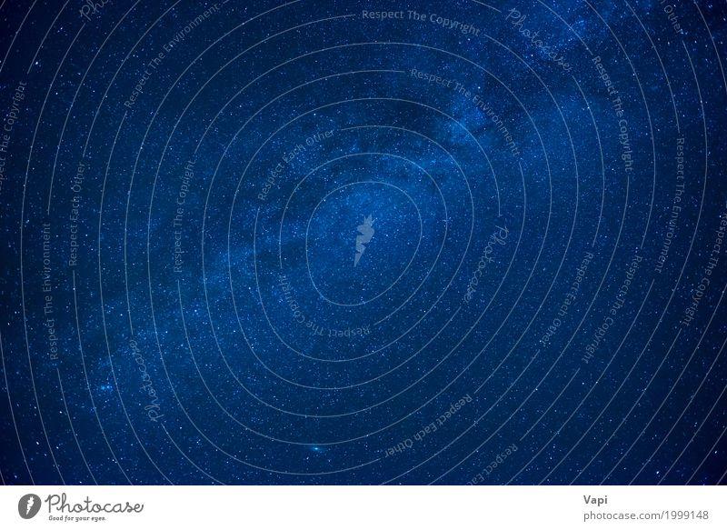 Blauer dunkler nächtlicher Himmel mit vielen Sternen Tapete Natur nur Himmel Nachthimmel dunkel blau schwarz weiß Raum Hintergrund Galaxie Sternenhaufen Weltall