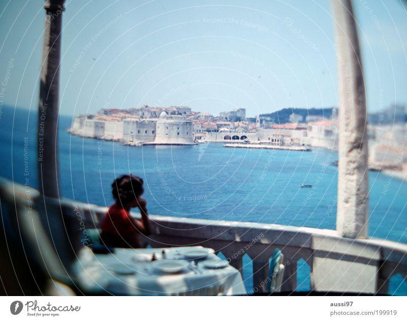 Tatiana Romanova Aussicht Sightseeing Stadt Italien Küste Terrasse Café Bar Verzerrung träumen Unschärfe positive liquid Hafenstadt Urlaubsfoto Säule