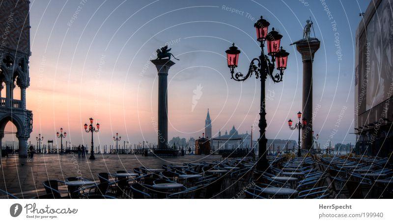 Morgenstund... Ferien & Urlaub & Reisen Tourismus Sightseeing Städtereise Sommer Meer Straßencafé Venedig Italien Europa Stadt Hafenstadt Altstadt Platz