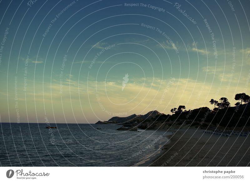 Die Musik ist aus ... und ist immer noch da Himmel Meer Sommer Strand Ferien & Urlaub & Reisen Einsamkeit Ferne Erholung Berge u. Gebirge Freiheit Wellen Küste Insel Tourismus Kitsch Hügel