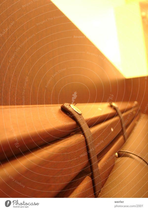 sitdownandrelax gelb Holz Wärme braun Perspektive Bank Bar Physik Sofa Café Foyer