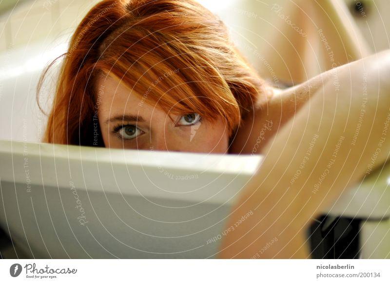 Redhead, Sexy Eis Mensch Jugendliche schön Erwachsene Gesicht Auge feminin Erotik Haare & Frisuren Schwimmen & Baden Junge Frau Haut 18-30 Jahre Badewanne Neugier Wellness