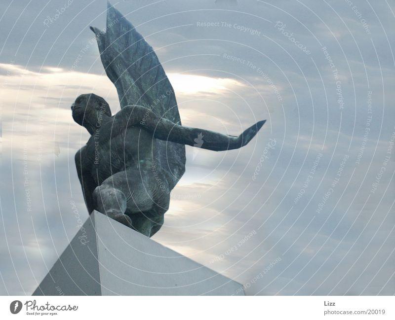 Endlich mal ein ErEngel schön Himmel Handwerk dramatisch Produktion Bronzeengel