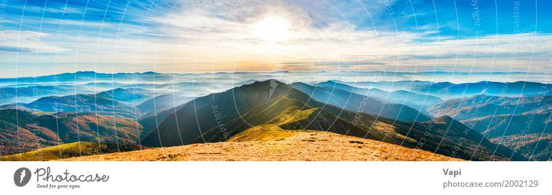 Panorama der Berglandschaft bei Sonnenuntergang Himmel Natur Ferien & Urlaub & Reisen Himmel (Jenseits) Pflanze blau Sommer Farbe grün weiß Landschaft rot