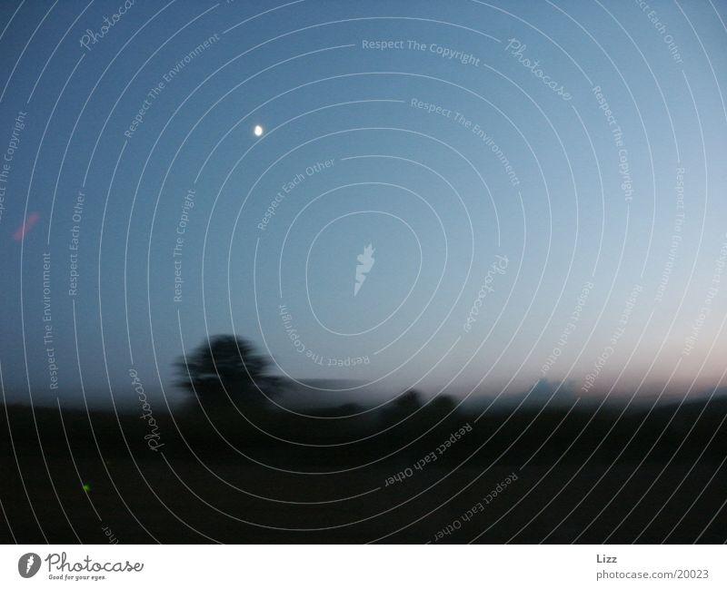 Highspeed am Mond vorbei 2 Geschwindigkeit Nacht Verkehr Landschaft