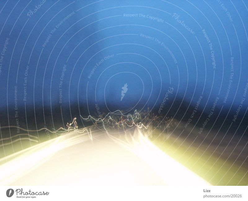 Nachtexperiment Verkehr Leuchtspur
