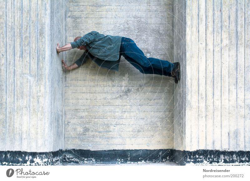 Die Wände hoch gehen Mann Freude Erwachsene Wand Sport Architektur Mauer Stil Kraft Freizeit & Hobby maskulin Beton außergewöhnlich Lifestyle Baustelle Neugier
