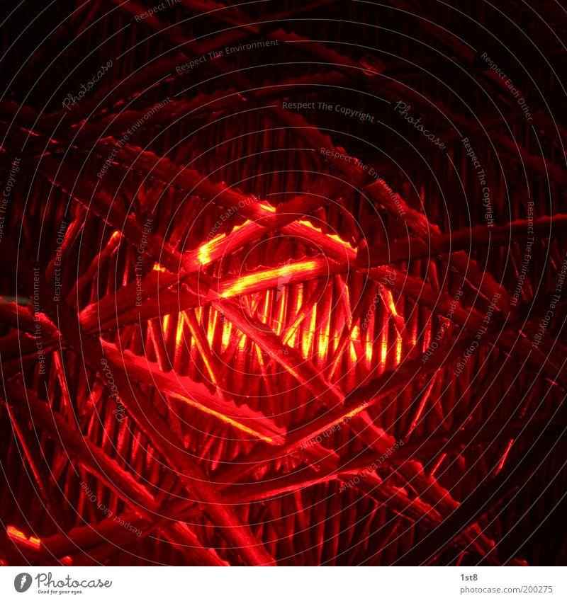 stop! Technik & Technologie Verkehr Straßenverkehr Ampel leuchten rot Risiko stoppen Signalanlage signalleuchte Farbfoto Innenaufnahme Detailaufnahme abstrakt