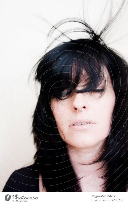 hair 4 schön Haare & Frisuren Erholung feminin Junge Frau Jugendliche Kopf Gesicht 18-30 Jahre Erwachsene Wind Piercing schwarzhaarig langhaarig Bewegung