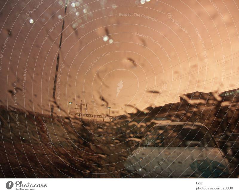 Regenscheibe 1 PKW Regen Verkehr Gewitter Scheibenwischer