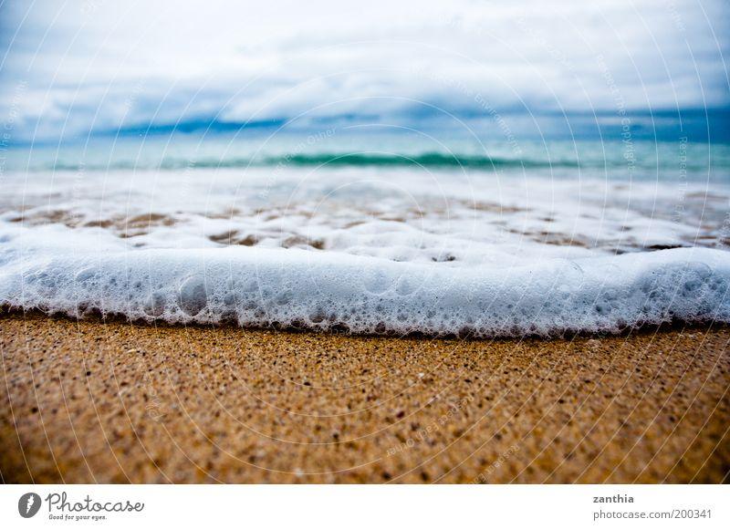Urlaub Ferne Sommerurlaub Strand Meer Natur Sand Wasser Himmel Wolken Horizont Herbst Wellen Küste nass blau gold weiß Erholung Ferien & Urlaub & Reisen Umwelt
