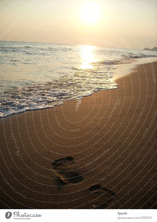 Weit wie das Meer Wasser Sonne Meer Strand Ferien & Urlaub & Reisen Ferne Freiheit Glück Sand Küste Horizont Zukunft Fußspur Spuren Badeurlaub