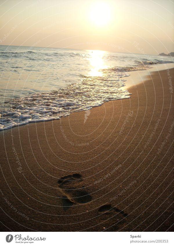 Weit wie das Meer Wasser Sonne Strand Ferien & Urlaub & Reisen Ferne Freiheit Glück Sand Küste Horizont Zukunft Fußspur Spuren Badeurlaub