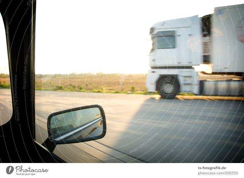 Drive-by-Shooting Straße PKW Verkehr Geschwindigkeit bedrohlich fahren USA Wüste Güterverkehr & Logistik Spiegel Autobahn Lastwagen Überraschung Amerika