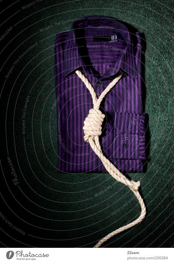 was zum henker? Stil Design Bekleidung Hemd Accessoire hängen ästhetisch dunkel einfach Sauberkeit grün violett Tod Farbe Idee Kreativität Stillleben Kragen