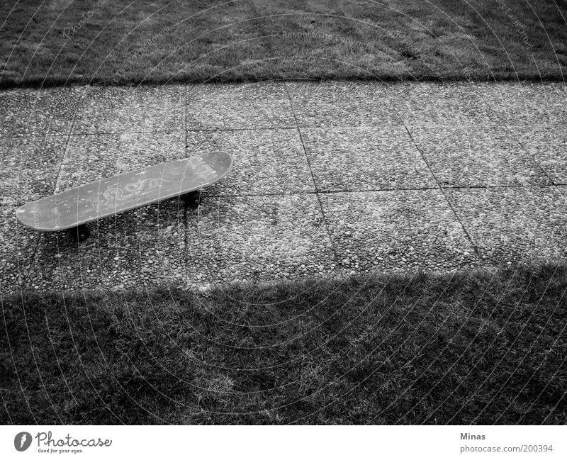 Skateboard Leben Bewegung Wege & Pfade Stein Freizeit & Hobby Beton Platz Coolness Lifestyle trist einzigartig trendy Identität nerdig Bodenplatten