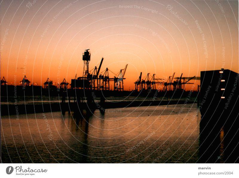 abendhafen Sonnenuntergang Kran rot Hafen