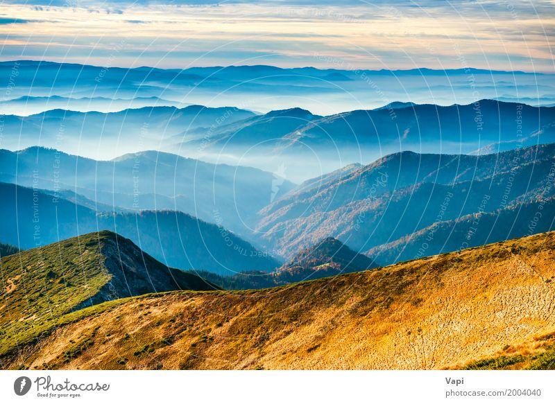 Lanscape mit blauen Bergen Himmel Natur Ferien & Urlaub & Reisen Himmel (Jenseits) Sommer Farbe schön weiß Sonne Landschaft Wolken Ferne Wald Berge u. Gebirge