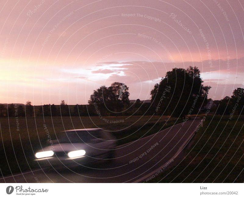 Nachtflitzer 2 Gewitter Orangewolken Verkehr PKW Autolicht