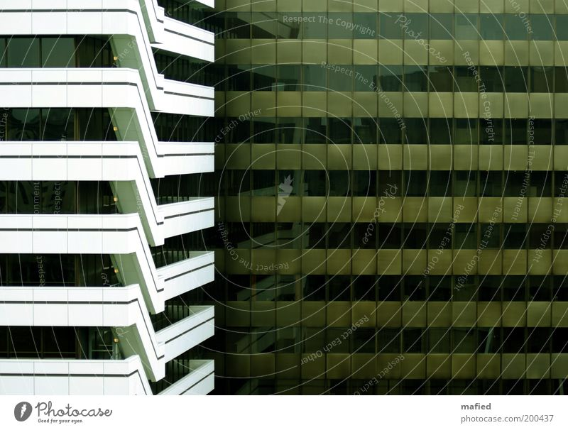 Fluchtweg grün weiß Stadt Haus schwarz Fenster Architektur Gebäude Business braun Fassade Hochhaus Treppe Industrie Bauwerk