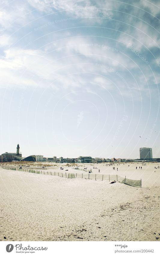 weite. Meer Sommer Strand Ferien & Urlaub & Reisen Ferne Erholung Wärme Sand Landschaft Küste Freizeit & Hobby Hotel Zaun Sonnenbad Leuchtturm Ostsee