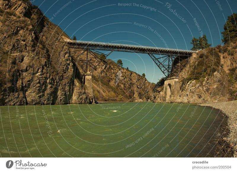 New Zealand 62 Umwelt Natur Landschaft Wolkenloser Himmel Schönes Wetter Hügel Felsen Alpen Berge u. Gebirge Fluss Verkehr Verkehrswege Brücke Bewegung
