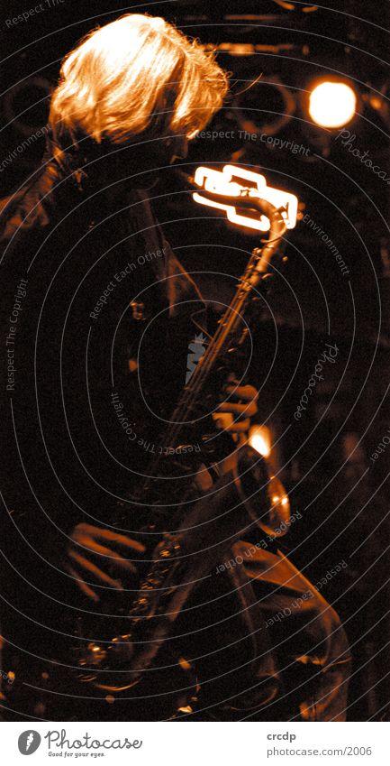 Saxophonist Mensch Mann Musik Musiker Blasinstrumente