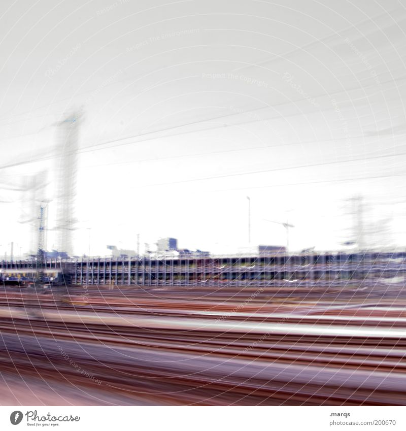 Zwischen hier und dort Ferien & Urlaub & Reisen Ferne Bewegung Wege & Pfade Geschwindigkeit Ausflug Industrie fahren Güterverkehr & Logistik Gleise Stress Dynamik Mobilität Verkehrswege Fernweh Bewegungsunschärfe